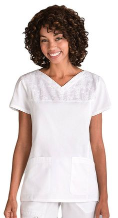 Find the best prices on solid color scrub tops for women. Choose from top brands including Dickies, Grey's Anatomy, Landau, and WonderWink. Nursing Clothes, Sewing Clothes, White Scrub Tops, Scrubs Pattern, Spa Uniform, Scrubs Outfit, Work Uniforms, Medical Scrubs, Tunic Tops