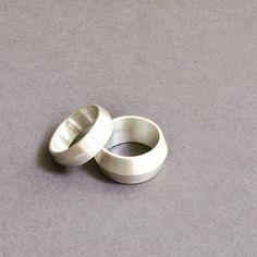 Vintroe Hero Rings #vintroe #silverring #modernjewellery #modernist #unisexjewellery #sterlingsilverjewelry #925silver #925 #scandinavianjewellery #scandinaviandesign #modernjewelry #unisexjewelry #unisex #minimalist #abstractjewelry #swedishdesign #scandinavianjewelry #womensjewellery #womensjewelry #jewellery #vintroejewellery #minimal #bijoux #minimaljewelry #925실버 #실버925 #hamburg #fashionista #silberring