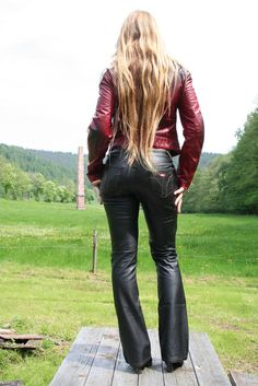 Alle Größen | IMG_7918 | Flickr - Fotosharing! Leather Pants Outfit, Leather Trousers, Leather Dresses, Leather Leggings, Leather Jacket, Rocker Look, Leggings Fashion, Leather Fashion, Glamour