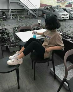 Image about girl in ~ Short hair, artistic spirit ~ by ~ Miss Mikaela ~ hair korean Image about girl in ~ Short hair, artistic spirit ~ by ~ Miss Mikaela ~ Korean Aesthetic, Aesthetic Girl, Aesthetic Clothes, Cute Korean Girl, Asian Girl, Ulzzang Short Hair, Uzzlang Girl, Cool Outfits, Fashion Outfits