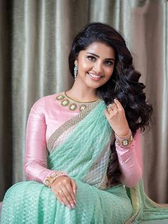 Anupama looking beautiful in light green saree with full hand pink blouse – Hot and Sexy Actress Pictures Best Blouse Designs, Blouse Neck Designs, Blouse Styles, Dress Designs, Anupama Parameswaran, Saree Blouse Patterns, Elegant Saree, Saree Look, Woman Outfits