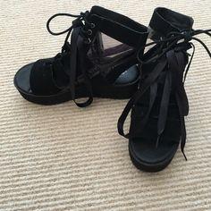 YRU shoes platform black shoes (Lace up) Nasty Gal Shoes Platforms