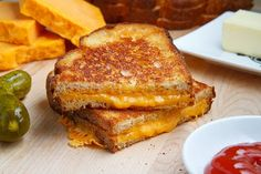 Closet Cooking: How to Make The Perfect Grilled Cheese Sandwich