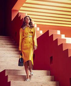 Bright ideas: Valery Kaufman in La Muralla Roja by Daniel Riera for Harper´s Bazaar US September 2016 #stairs #boldcolors #colorcontrast