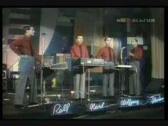 Kraftwerk's live performances - YouTube