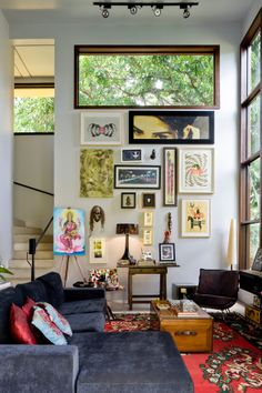 Modern Architecture with Eclectic Decor Inspired by Bauhaus Style Decor, House Styles, Home Decor Styles, Eclectic Decor, Living Room Decor, Eclectic Home, Eclectic Style Decor, House Interior, Room Decor
