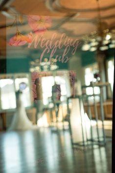 Der Zankyou Wedding Club mitten im Herzen von Zürich! Party, Neon Signs, Events, Club, Wedding, Nice Asses, Valentines Day Weddings, Weddings, Mariage