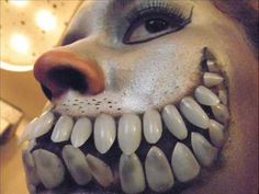 Cheshire Cat Makeup | Cheshire cat inspired makeup Video Clip. Clever to use fake nails as teeth.