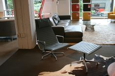 Eames Aluminum Group Lounge Chair and Ottoman @desi