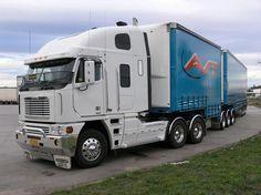 Freightliner Argosy Cabover w/ Tandem Trailers Big Rig Trucks, Semi Trucks, Truck Festival, Jeep Baby, Truck Transport, Freightliner Trucks, Big Boyz, Road Train, Cab Over