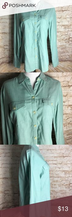 """✨BANANA REPUBLIC ✨ TEAL BUTTON DOWN SHIRT✨ Banana republic S teal long sleeve button down shirt  Laying Flat  ▪️Pit to Pit: 19"""" ▪️Length: 20"""" ▪️Condition : Preowned no rips, tears, marks or stains . Pet free , smoke free . Banana Republic Tops Button Down Shirts"""