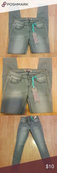 NWT Truce Stretchy Grey Skinny Jeans NWT Truce Stretchy Skinny Jeans. Faux front pockets. Super comfortable. 99% cotton 1% spandex. Smoke free home!! Truce Jeans Skinny