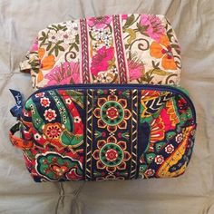 Vera Bradley make-up bags Vera makeup bad bundle! Perfect for make-up, brushes, toiletries. Vera Bradley Bags Cosmetic Bags & Cases