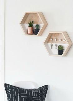 Diy key holder for rustic home decor ideas Floating Shelves, Decor Ideas, Key, Rustic, Home Decor, Flats, Country Primitive, Decoration Home, Unique Key