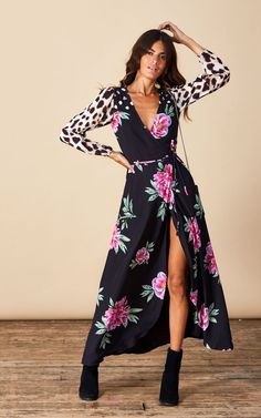 Looking for Long Sleeve Dresses? Call off the search with our Jagger Maxi Print Mix. Shop unique fashion at SilkFred Navy Lace Midi Dress, Long Sleeve Midi Dress, Cute Wedding Guest Dresses, Boho Wedding Guest Outfit, Wedding Guest Outfit Inspiration, Style Inspiration, Moves Like Jagger, Bodycon Midi Skirt, Long Cocktail Dress