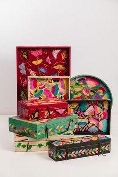 Bandeja de madera chica - Comprar en Salmón Tienda Posca Art, Designs To Draw, Wooden Boxes, Wood Art, Interior Architecture, Watercolor Art, Decoupage, Decorative Boxes, Doodles