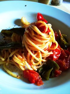 In Cucina con Mamma Agnese: Spaghetti con Friggitelli e Bottarga di Tonno
