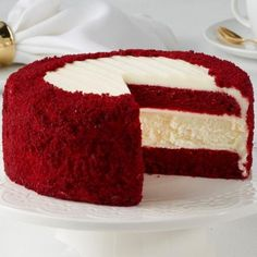 Red Velvet Cheesecake A traditional favorite with a Junior's twist. Homemade moist Red Velvet cake is layered with our Original New York cheesecake and our famous cream cheese icing. Adorned with even more icing and cake crumbs. Bolo Red Velvet Receita, Ricotta Cake, Salty Cake, Mini Cheesecakes, Velvet Cake, Savoury Cake, Cheesecake Recipes, Raspberry Cheesecake, Oreo Cheesecake