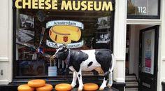 Ámsterdam es famosa por sus canales, pero es menos conocida por albergar una serie de curiosos museos que no existen en otras ciudades europeas. Pasen y vean.