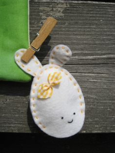 Felt bunny Easter egg puppet (inspiring). Remove the ears and cute as just an egg.