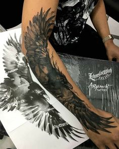 Circle Tattoos, Love Tattoos, Black Tattoos, Body Art Tattoos, New Tattoos, Tattoos For Guys, Forarm Tattoos, Eagle Tattoos, Tatoos