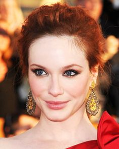 16 Christina Hendricks Getty2 - Best Makeup for Redheads – Celebrity Beauty Tips
