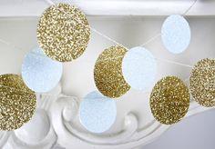 Glitter Paper Garland Gold and White Bridal por TheLittleThingsEV, $4,50