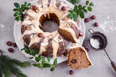 Gingerbread Coconut bundt cake - Vegan, gluten free, naturally sweetened