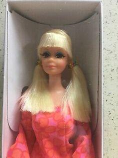 sharing the love of mod barbies Barbie Doll Case, Barbie Skipper, Barbie And Ken, Mattel Dolls, Vintage Toys 1960s, Vintage Barbie Dolls, Vintage Items, Blonde Ponytail, Holland