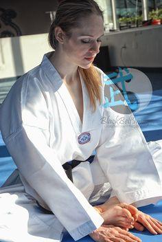 Taekwondo Girl, Martial Arts Women, Military Girl, Women's Feet, Black Belt, Kicks, Stock Photos, Meditation, Action
