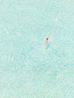 beautiful shot in Bora Bora by Gray Malin (summer photography adventure) Parasols, Kitesurfing, Mellow Yellow, Bora Bora, Summer Vibes, Places To Go, Around The Worlds, Ocean, Island
