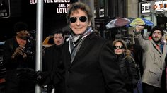 Barry Manilow street sign unveiling.