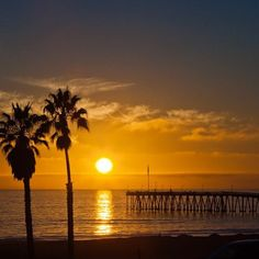 Sunset at Ventura Pier Ventura, California Photo by local photographer Broc Ellinger Photography