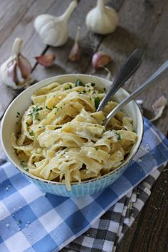 image Czech Recipes, Ethnic Recipes, No Salt Recipes, What To Cook, Food 52, Bon Appetit, Food Inspiration, Macaroni And Cheese, Food Porn