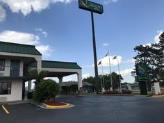 Welcome to Quality Inn Hotel in Byron, GA located off of Interstate 75 near Georgia National Fairgrounds & Middle Georgia Regional Airport. Experience comfort & convenience at our Hotels in Byron, GA. Interstate 75, Fort Valley, Regional, Georgia, Middle, Hotels