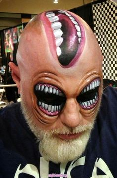 Halloween makeup ideas (maquillaje halloween special effects) Horror Makeup, Scary Makeup, Makeup Art, Makeup Ideas, Sfx Makeup, Halloween Make Up, Halloween Face Makeup, Halloween Ideas, Make Up 3d