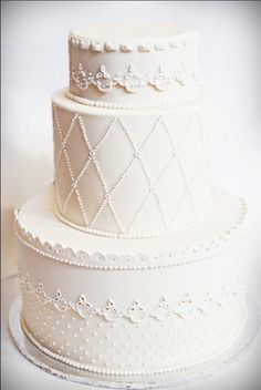Wedding Cake... Personalized Cake serving sets... | http://thevineyard.carlsoncraft.com
