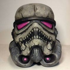 Another badass custom Stormtrooper helmet hand painted by artist Make sure you check out his page regularly to buy one of these guys. -- by sfxatlas Star Wars Film, Star Wars Art, Star Wars Helmet, Star Wars Drawings, Imperial Assault, Star Wars Models, Galactic Republic, Custom Helmets, Star Wars Humor
