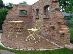 Wall Building Garden Seating Finest Themselves Cost Effective Foundation To Build Plots sitzecke mauer Garden Seating, Terrace Garden, Garden Chairs, Outside Living, Outdoor Living, Outdoor Decor, Outdoor Ideas, Garden Buildings, Garden Structures