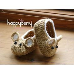 These adorable little field mouse shoes have always been our number one best seller, and they never fail on cuteness. Working up quickly with aran/worsted weight yarn, these little baby shoes made a fun and lovable addition to any babies wardrobe.This pattern is in US terminology.