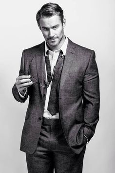 Jessie Pavelka couldnt decide whether i should put u in this folder or in my WEDDINGS folder... either way...