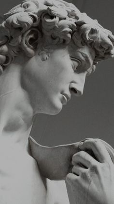 Roman Sculpture, Art Sculpture, Sculptures, Michelangelo Sculpture, Gray Aesthetic, Black And White Aesthetic, Aesthetic Backgrounds, Aesthetic Wallpapers, Sculpture Romaine