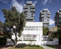 Gallery of Tel Aviv House / Pitsou Kedem Architects - 1