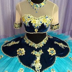 Dancewear by Patricia is the ultimate on-line ballet store. Offering professional tutus, exclusive ballet costume designs, head-pieces and selected accessories. Girls Dance Costumes, Tutu Costumes, Ballet Costumes, Carnival Costumes, Ballet Dancers, Bolshoi Ballet, Ballet Wear, Ballerinas, Ballet Russe