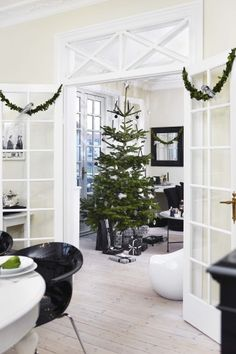 Decorated for Christmas Xmas, Christmas Tree, Christmas Ideas, Scandinavian Christmas, Scandinavian Interiors, Christmas Decorations, Holiday Decor, Nordic Style, Lounge