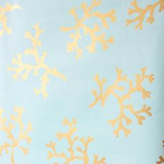 Emme Turquoise Coral Wallpaper is part of Cottage Living Room Wallpaper - Turquoise and gold make for a stylish match Model a dazzling coastal escape with this shimmering coral wallpaper that blends fashionable detail with beach style bliss Country Chic Cottage, Beach Cottage Style, Coastal Cottage, Beach House Decor, Coastal Style, Coastal Decor, Cottage Living, Living Room, Coastal Wallpaper