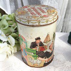 Vintage Dutch Tin, RARE, davelaar jodenkoeken alkmaar, cookie Candy tea confections, storage box, Holland, Netherlands, amsterdam barrel by WonderCabinetArts on Etsy https://www.etsy.com/listing/221247764/vintage-dutch-tin-rare-davelaar