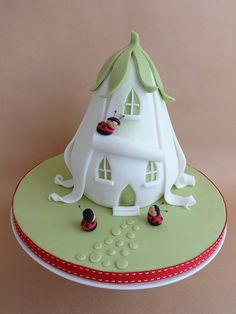 Ladybird House Cake | Flickr - Photo Sharing!