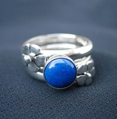 Sterling Silver Flower Ring with Lapis Lazuli Gemstone