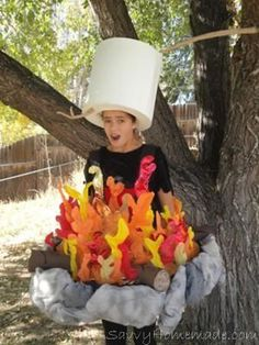 Campfire Costume with Marshmallow Roasting What's a great ghost story without the glow of a wicked campfire? We spooked up our Halloween by making our 12 year old daughter into a walking ring Theme Halloween, Halloween Party Supplies, Homemade Halloween Costumes, Creative Halloween Costumes, Cute Halloween, Holidays Halloween, Halloween Crafts, Halloween Costume 10 Year Old Boy, Purim Costumes